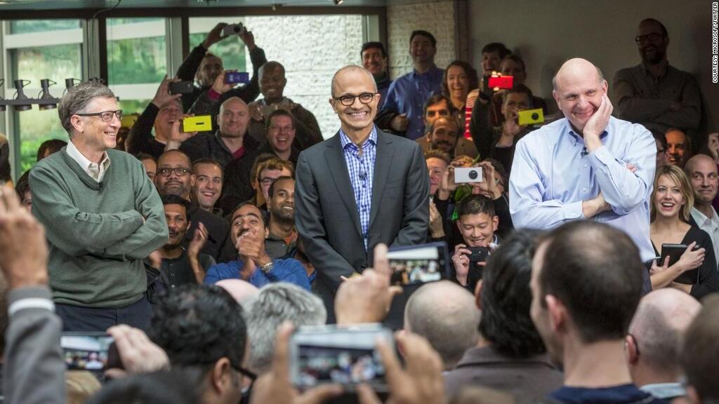 مایکروسافت یا اپل؟ کدامیک زودتر یک تریلیون دلاری می شود؛